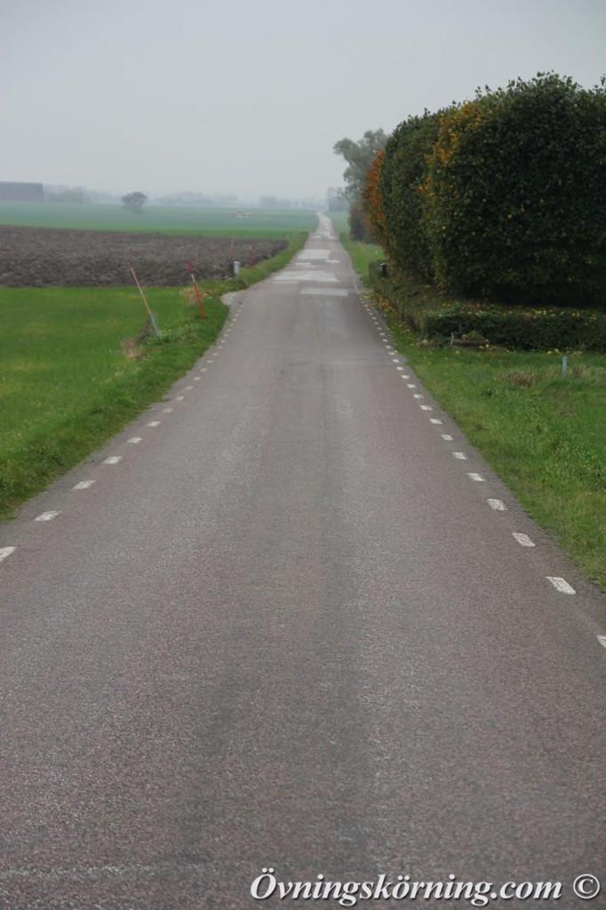 rak väg med utfart