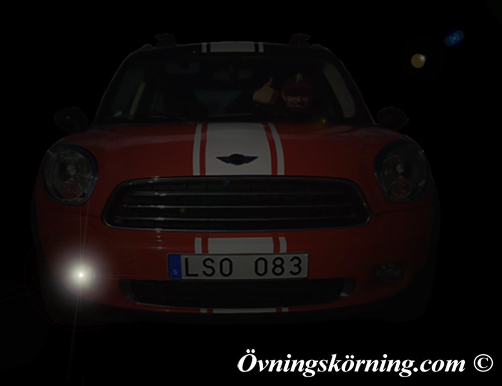 5 saker du inte visste om din bil! Så här tänder du parkeringsljuset på endast den ena sidan av bilen