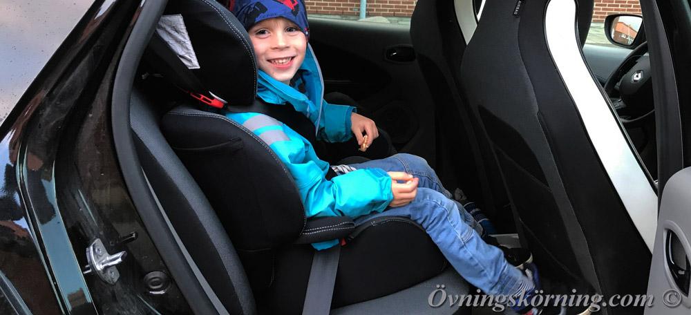 Körkortsteori. Detta gäller när du skall köra med barn i bilen!
